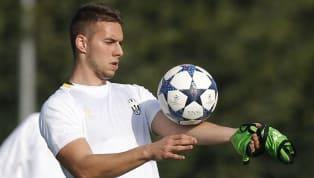 Marko Pjaca fa ancora parte della rosa dellaJuventus. Il giocatore si sta riprendendo dopo l'infortunio ma non è stato inserito in lista, dovrebbe poi...