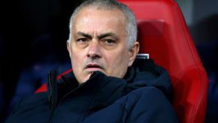 Cựu tiền vệ ChelseaMichael Ballack khẳng định rằng sẽ có rất ít học trò cũ của Jose Mourinho dám nói xấu vị HLV này. Michael Ballack thực sự đã vươn tầm dưới...