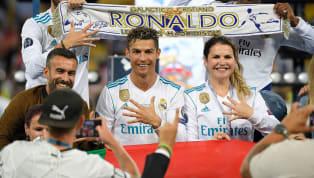 """Dün akşam düzenlenen Ballon d'Or törenine katılmayan Cristiano Ronaldo için """"O rakip miydi?"""" ifadelerini kullanan adaylardan Virgil van Dijk'a..."""