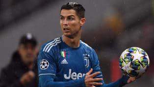Thông tin từ tờEl Desmarque vừa lên tiếng xác nhận,Cristiano Ronaldođang nghiêm túc cân nhắc việc giải cứu người đồng đội cũ James Rodriguez khỏi sân...