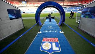 OlympiqueLyonnais : Le XI lyonnais pour #OLFCB  pic.twitter.com/JaBqgNYGXl — Olympique Lyonnais (@OL) 19 février 2019 FC Barcelone :Ter Stegen -...