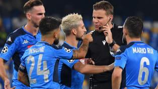 IlNapoliha regalato una serata di emozioni a tutti i tifosi italiani. Gli azzurri si sono imposti con il punteggio di 2-0 contro il Liverpool campione...