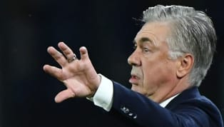 Carlo Ancelotti rischia grosso. Il tecnico del Napoli è alle prese con un periodo negativo e un altro passo falso potrebbe far perdere il posto sulla panchina...