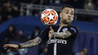 À 35 ans, Daniel Alves bénéficie toujours d'un temps de jeu conséquent au Paris Saint-Germain. Son contrat se termine en Juin prochain mais cette situation...