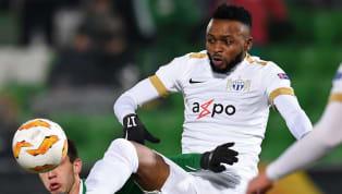 Capitán de su selección,Umaru Bangura, tomó la decisión de tratar de ponerse la capa de héroe para Sierra Leona, tomando el balón para cobrar un penal en...