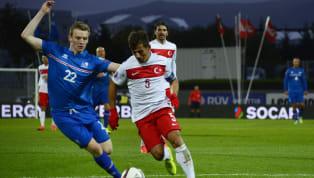 A Milli Takım'ın cuma akşamıArnavutluk ile oynadığı maçta sakatlanan deneyimli orta saha oyuncusuEmre Belözoğlu'nun sol kaburgasında kırık tespit...