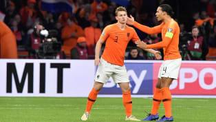 Quem viveu nos anos 70 deve olhar para a seleção holandesa nos dias de hoje e pensar: o que aconteceu com aquele time que jogava sozinho liderado por Cruyff e...