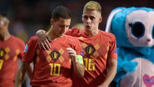 No futebol não é raro vermos irmãos jogando por times diferentes. Na maioria das vezes, um se destaca e o outro é conhecido pelo sobrenome, porém também há...