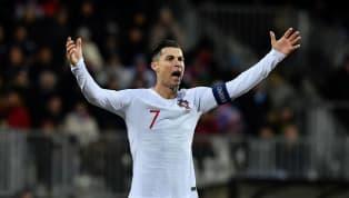 Cristiano Ronaldocán mốc 99 bàn trong sự nghiệp cho tuyển quốc gia sau bàn thắng ghi tuyển Bồ Đào Nha vào lưới Luxembourg tối 17.11 qua ở vòng loại Euro...