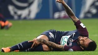 Daniel Alves pourrait bien rater la Coupe du Monde.Sorti sur blessure à la 85ème minute en finale de Coupe de France ce mercredi soir (2-0), le latéral...