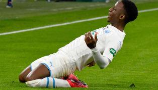C'est le moment ou jamais pour que Didier Deschamps se laisse tenter par l'idée de sélectionner Bouna Sarr. Courtisé par la Guinée et le Sénégal, le joueur...