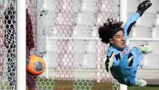 Habrá sido el portero más goleado deEspaña, descendido con el Granada, al igual que anteriormente en Francia con el Ajaccio y terminado su carrera europea...