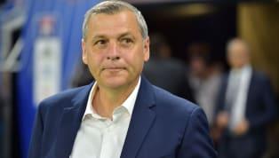 Énorme retournement de situation. Alors qu'il avait annoncé son départ de l'Olympique Lyonnais au début du mois d'avril, Bruno Genesio devrait rester au...