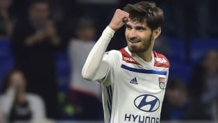 DerFC Schalke 04sieht sich weiterhin nach neuem Spielermaterial auf dem Transfermarkt um. Neben den Spekulationen um die Verpflichtung des 19-jährigen...