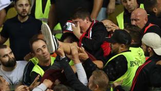 Vatan'da yer alan habere göre;Almanya'da oynanan bölgesel lig maçında Türk kökenli Alman vatandaşlarının kurduğu takımın maçında olay çıktı. Asker...
