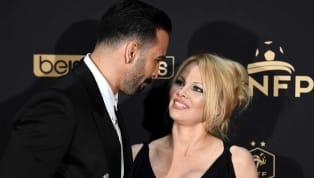 Stupeur ce matin. L'actrice Pamela Anderson, compagne d'Adil Rami vient d'annoncer dans un post Instagram incendiaire sa rupture avec le champion du monde....
