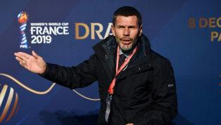Zvonimir Boban verlässt seinen Posten als stellvertretender Generalsekretär bei der FIFA, um sich dem AC Mailand anzuschließen. Zwischen 1992 und 2001 war...