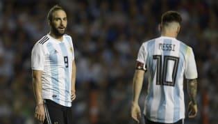 Très critiqué par les supporters argentins, Gonzalo Higuain a annoncé qu'il prenait définitivement sa retraite internationale avec l'équipe nationale...