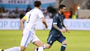 Esteban Andrada (5): Dos llegadas dos goles. Reaccionó tarde en el gol de tiro libre de Suárez. Renzo Saravia (6): Mejor en ataque que en defensa. Demostró...