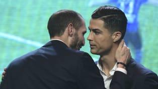 Giorgio Chiellini khẳng định Lionel Messi xứng đáng với Quả Bóng Vàng 2019 nhưng cho hay danh hiệu 2018 phải thuộc về C.Ronaldo.  Messi vượt qua Cristiano...