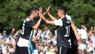 Non è durata neanche un'ora di gioco l'amichevole di Villar Perosa tra la Juventus A e la Juventus B. Al 50' consueta invasione di campo dei tifosi...