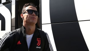 Sarà una sfida a tre tra Cristiano Ronaldo, Lionel Messi e Virgil van Dijk per la vittoria del Premio UEFA di Calciatore dell'Anno per il 2018-19. Il...