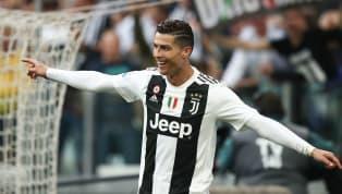 Người đồng đội cũ của Cristiano Ronaldo - tiền đạoEmmanuel Adebayor đã tiết lộ về thời điểm anh tập luyện cùng Ronaldo tại Real Madrid. Emmanuel Adebayor có...