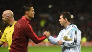 """""""El mejor futbolista [gentilicio nacional] de todos los tiempos"""" seguramente sea el calificativo más importante que se le puede poner a un jugador de fútbol,..."""