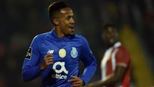 Kalidou Koulibaly ist in Europa heiß begehrt: Der Verteidiger des SSC Neapel wird schon länger vonManchester Unitedumworben, nun soll auchReal Madridin...