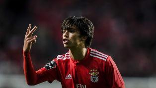 Après des prestations remarquées en Liga ZON Sagres, la jeune pépite portugaise ne cesse d'attiser les convoitises en Europe. La future star du football...
