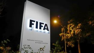 FIFA resmi internet sitesinden yaptığı açıklamada koronavirüs salgını nedeniyle alınan kararları ilan etti. Buna göre; sezon sonunda bitecek futbol...
