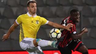 AA'da yer alan habere göre; son 2 sezonuFenerbahçe'degeçiren golcü futbolcuRobertoSoldado, yarın sağlık kontrolünden geçtiktensonra Granada'yla1+1...
