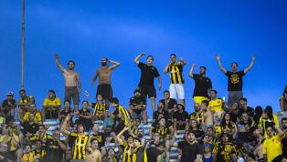 Los hinchas de Peñarol llegaron en gran numero a tierras brasileras y esperan el partido de esta noche. Peñarol a horas del debut por Copa Libertadores,...