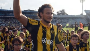 Diego Forlan has officially announced his retirement from football after 21 years as a professional player. The striker has not played since May 2018, but...