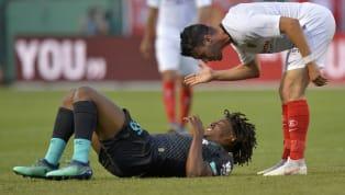 Liverpool affrontait dimanche le FC Seville. Au cours du match, l'ancien pensionnaire de Ligue 1, Joris Gnagnon a commis un attentat sur Larouci, jeune joueur...