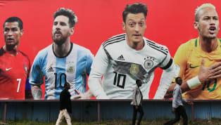 Có những ngôi sao bóng đá đi đến đâu cũng trở thành thủ lĩnh, dù là ở màu áo tuyển quốc gia hay cấp câu lạc bộ. Không chỉ về chuyên môn mà họ còn là những...