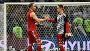 La portería sigue siendo el gran debate en la selección alemana. Ter Stegen, portero del Barcelona, yNeuer, portero del Bayern de Múnich, se debate la...