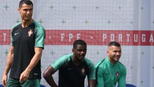 Le gardien de l'OL a expliqué qu'il avait rencontré le quintuple ballon d'or d'une manière peu commune. Pour tout joueur portugais,...