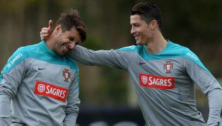 Miguel Veloso conosce molto bene Cristiano Ronaldo. Il centrocampista del Genoa, connazionale di CR7, ha lavorato con lui ai tempi dello Sporting Lisbona. Il...
