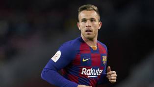 La Gazzetta dello Sport colocaba al futbolista brasileño como uno de los candidatos a entrar dentro de la operación delFC Barcelonapara acometer...