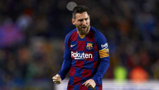 Lionel Messi ghi hat-trick giúp Barcelona hủy diệt Celta Vigo 4-1 và qua đó cân bằng kỷ lục của Cristiano Ronaldo ở La Liga. Điểm nhấn Barca 4-1 Celta Vigo:...