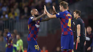 Tương lai của Ivan Rakitic và Arturo Vidal đang là đề tài nóng bỏng ở Barcelona khi sắp đến kì chuyển nhượng mùa Đông. Barcelonađã bắt đầu ngồi vào bàn đàm...
