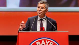 Era kepemimpinan Uli Hoeness sebagai Presiden Bayern Munchen telah berakhir. 40 tahun kepemimpinannya di jajaran direksi Die Roten - julukan Bayern -...