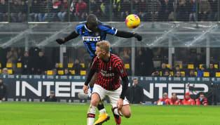 Romelu Lukaku là người ấn định tỉ số trong trận cầu derby Milan có đến sáu bàn thắng rạng sáng 10.2. Tiền đạo người Bỉ bật cao đánh đầu ngay phút bù giờ cuối...