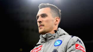Auch im kommenden Transfersommer wird Schalke 04 versuchen, sich in der Offensive zu verstärken. Aus Italien wird nun berichtet, dass Königsblau an...