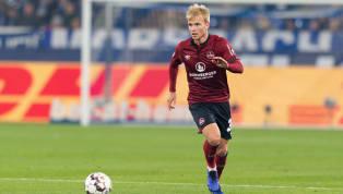 Simon Rhein ist ab jetzt auch offiziell Profi. Beim 1. FC Nürnberg unterzeichnete der 20-Jährige seinen ersten Lizenzspielervertrag. Über die Laufzeit machte...