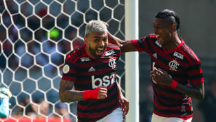 Da água para o vinho. No início dos anos2010 oFlamengoapostou em nomes como Ronaldinho Gaúcho e Thiago Neves (e não chegava a lugar algum) e passou por...