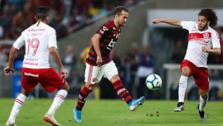 Enquanto vive a indefinição com relação ao novo treinador da equipe, o Internacional segue a disputa do Campeonato Brasileiro sob comando do interino,...