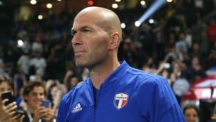 Son muchas ya las voces que aseguran la probable llegada de Zinedine Zidane al Manchester United en el caso de que José Mourinho no conserve su puesto en un...