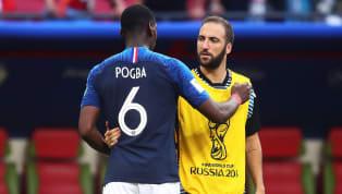 Aubameyang nació Francia, su padre es Gabón y su madre en España. Tenía varias posibilidades pero el delantero del Arsenal decidió jugar con la selección del...
